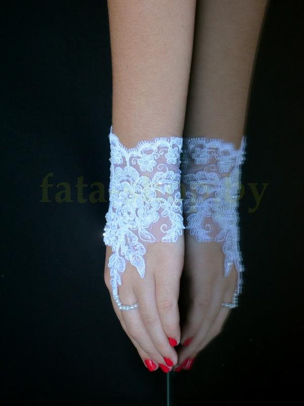Кружевные перчатки
